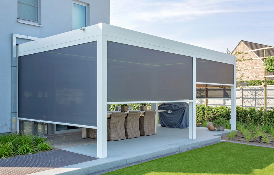 Terrace Roof With Screens