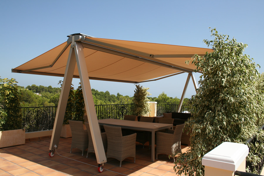 Freestanding Awning on Wheels